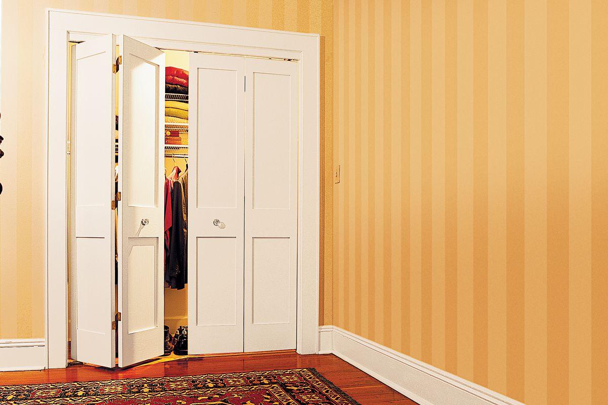 Comment installer des portes pliantes ?