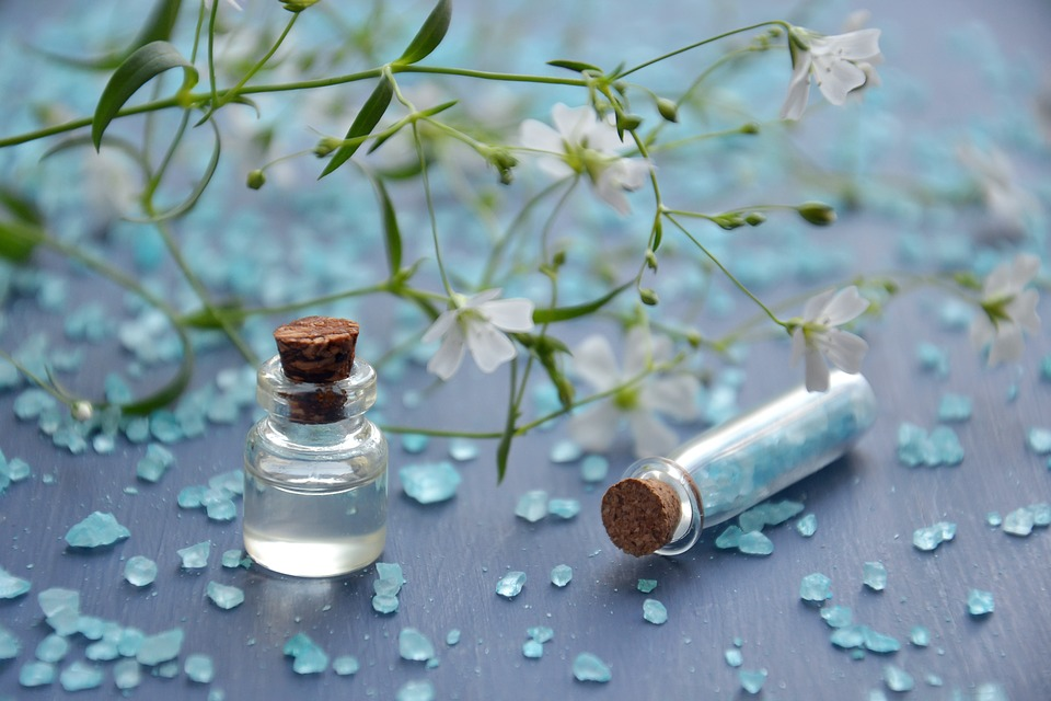 L'huile de lys : recettes pour les soins du visage et du corps