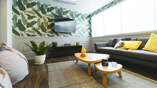 Peu encombrant et flexible: supports muraux TV