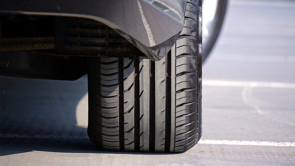 Comprendre et différencier les types de pneus